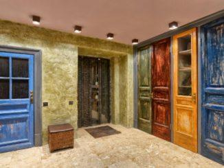 Decorar a porta: Veja dicas para pintar e estilizar   ZAP em Casa