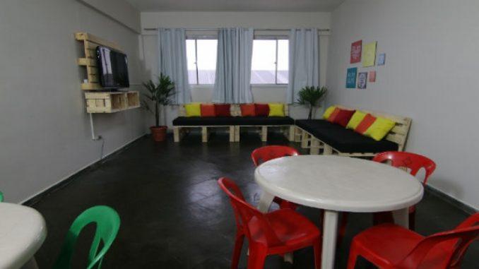 Sofá de pallet   Inspire se para transformar a sala da sua casa