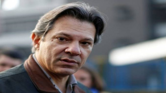 Bolsonaro lidera e Haddad sobe 11 pontos percentuais, diz Ibope
