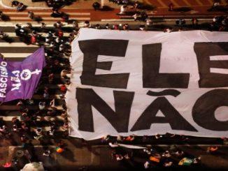 """Protesto contra Bolsonaro em SP une adversários em """"defesa da democracia"""""""