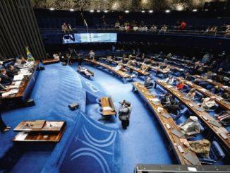 À revelia de Bolsonaro, senadores decidem seguir agenda própria