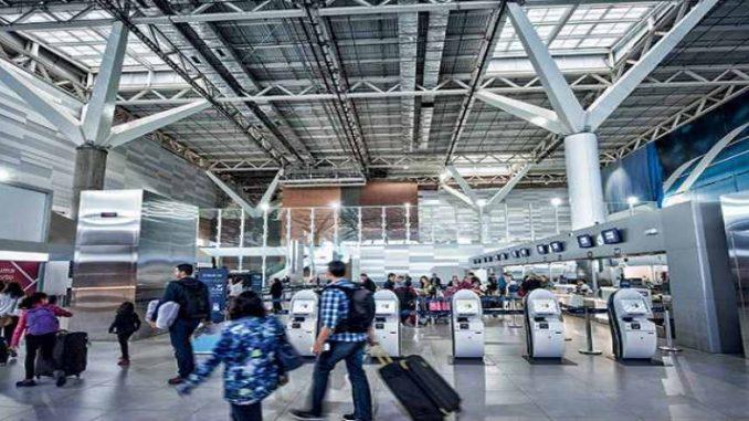 Bolsonaro diz que deve vetar bagagem gratuita em voos nacionais