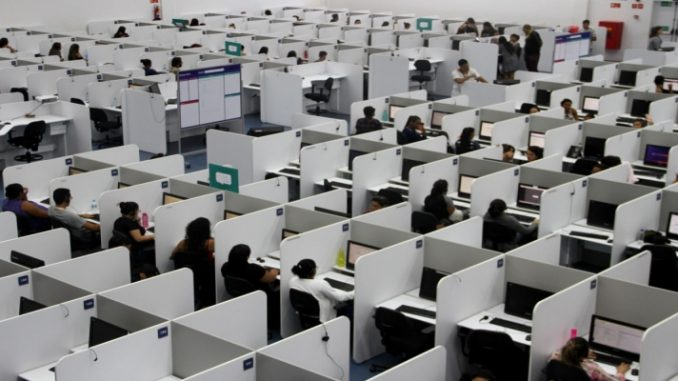 Após 4 quedas seguidas, confiança de serviços registra alta em junho
