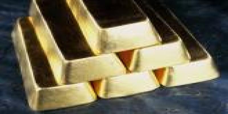 Barras de ouro em pirâmide, dinheiro, sucesso