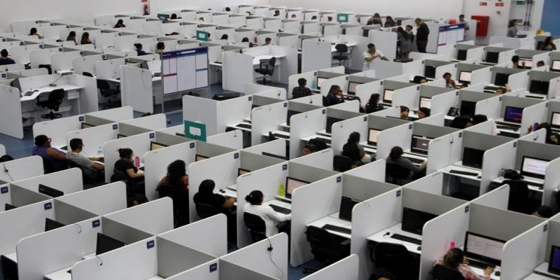 Empresa de telemarketing, em João Pessoa, na Paraíba — Foto: Dani Fechine/G1