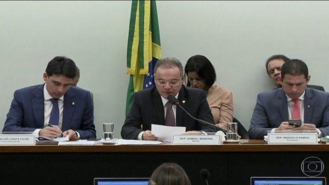 Governistas tentarão no plenário reintroduzir itens retirados por relator da Previdência