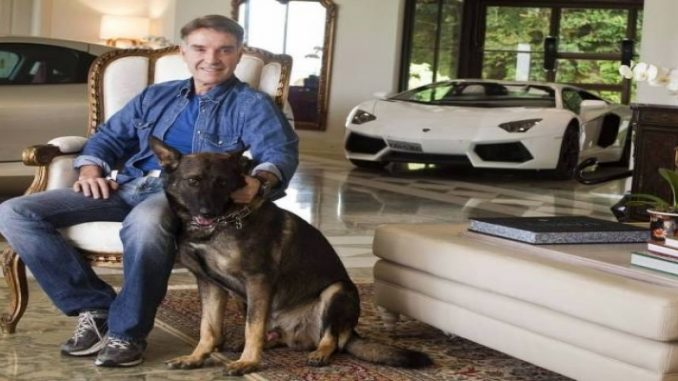Justiça manda leiloar Lamborghini de Eike Batista e lancha de Cabral