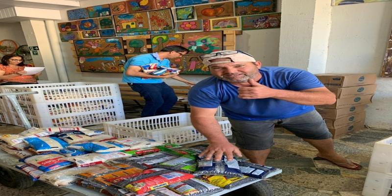 Mais de três toneladas de alimentos beneficiam 29 instituições no interior do Rio — Foto: Rotary Club/Divulgação