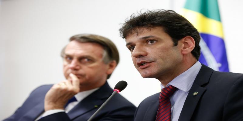 Presidente da República, Jair Bolsonaro durante Reunião com Marcelo Alvaro Antônio, Ministro de Estado do Turismo.