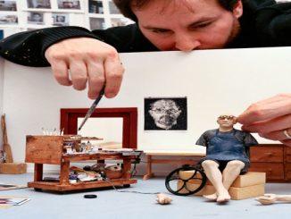 Artistas famosos são homenageados com esculturas hiper realistas