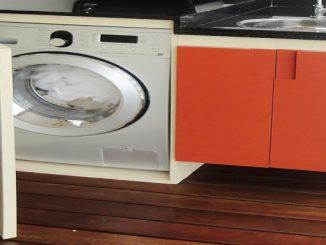 Como manter sua pequena lavanderia bonita e organizada