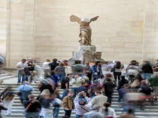 Louvre retira de ala o nome da família Sackler, ligada à epidemia de opioides nos EUA