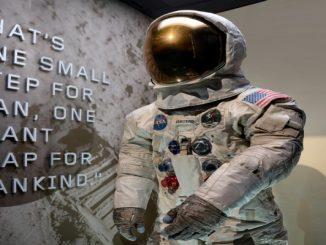 Traje usado por Neil Armstrong na Apollo 11 volta a ser exibido em museu